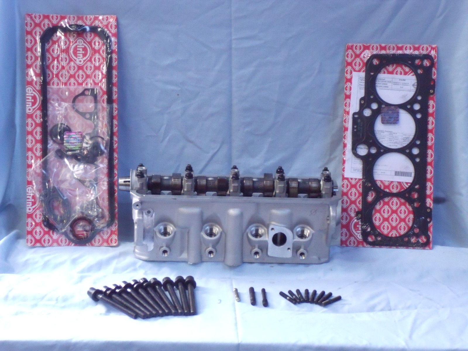 new AMC cylinder heads comes with gaskets and head bolts